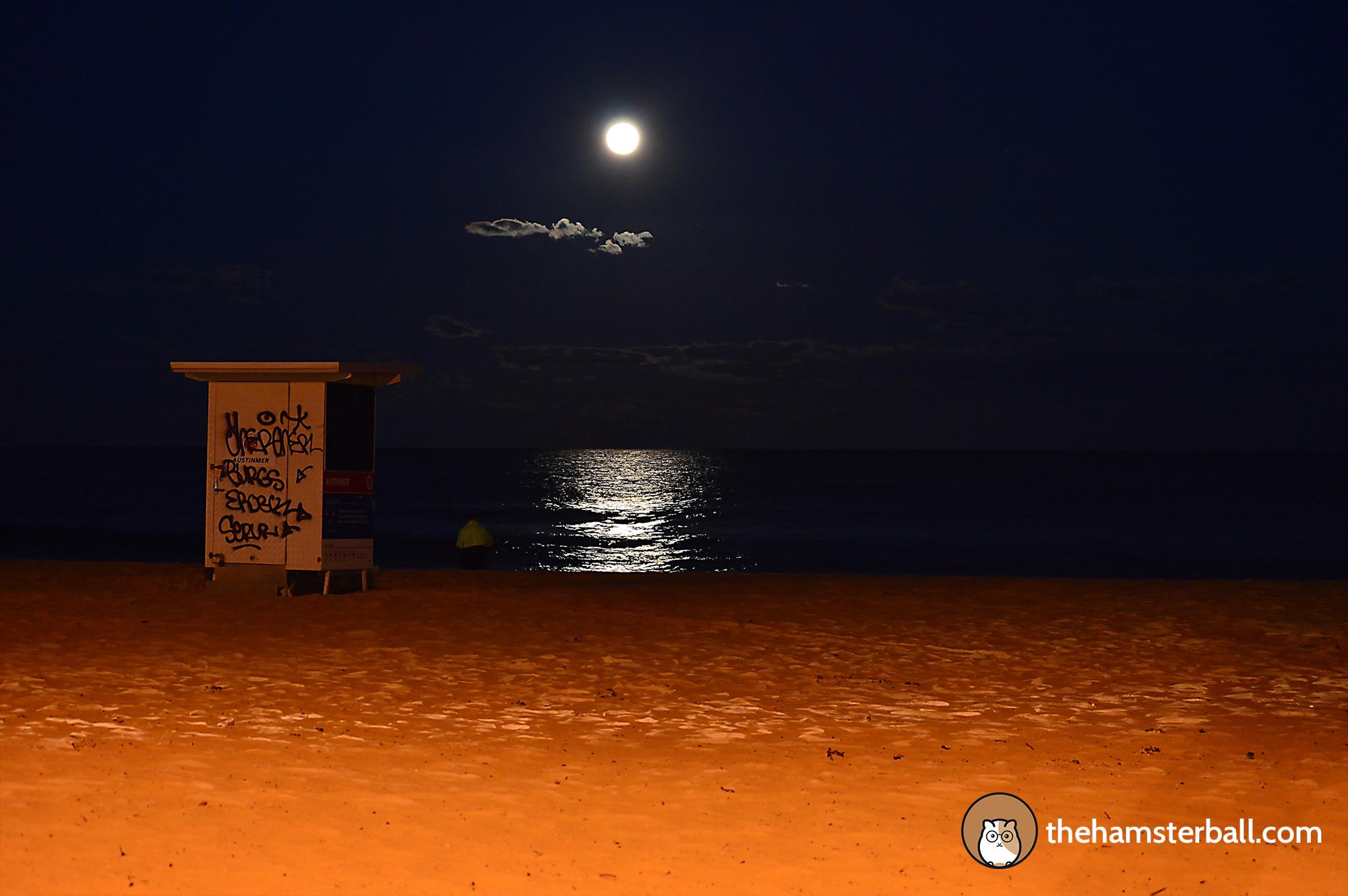 Full moon, Austinmer Beach, Wollongong, Australia